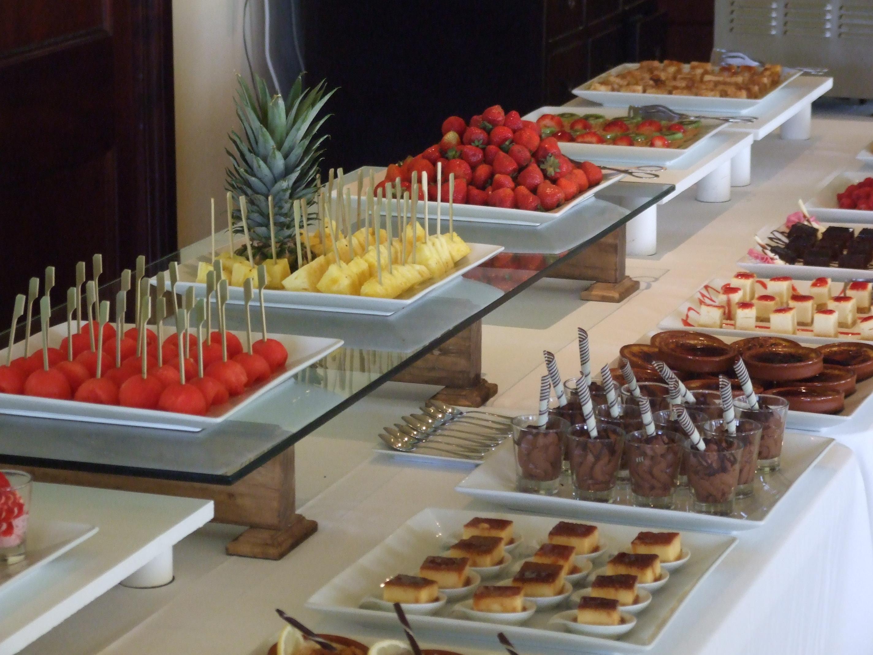 Golfers buffet golf food the nineteen for Casa jardin buffet
