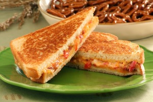 PIMIENTO CHEESE SAND